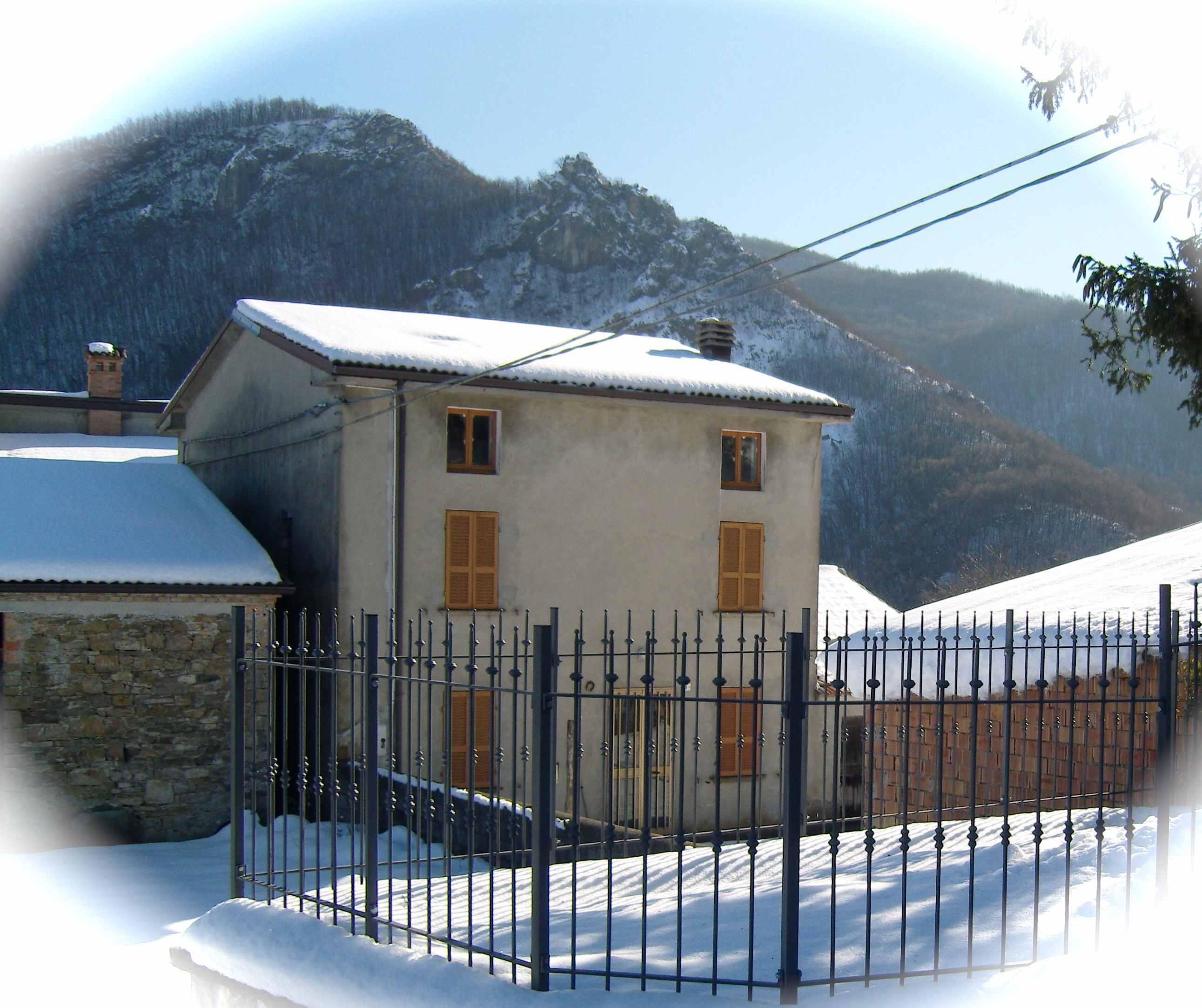 Morfasso alta valdarda vende case di sasso da for Ristrutturare case antiche