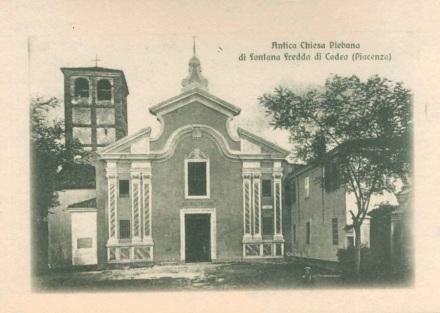 chiesa di fontana fredda con la facciata vecchia